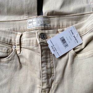 Free People Jeans - NWT Free People Busted Knee Khaki Skinny Jeans